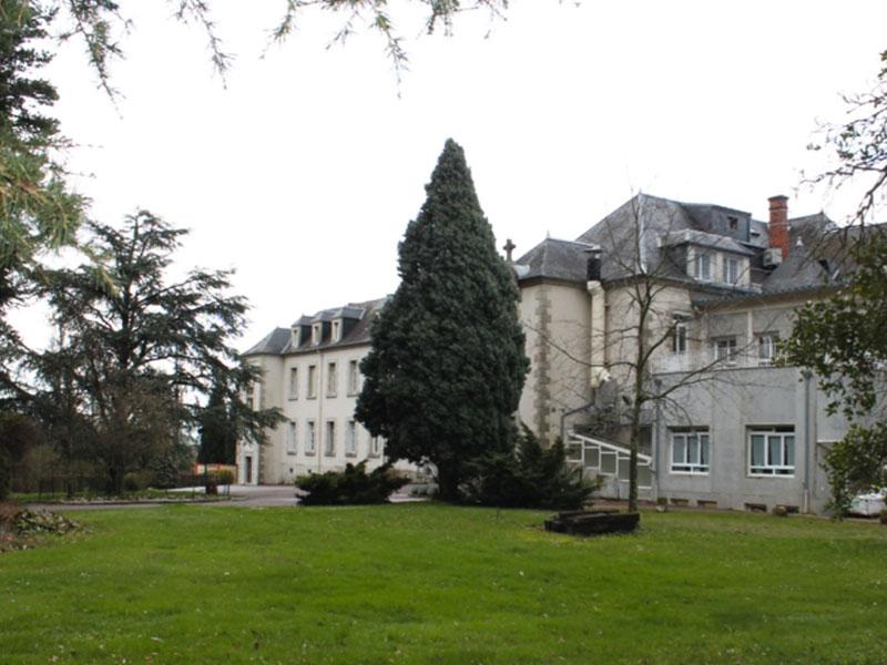 Photo du parc de l'Ehpad Le Parc des Loges, de l'Ehpad Le Verger des Coudry, Ehpad géré par l'association Odélia